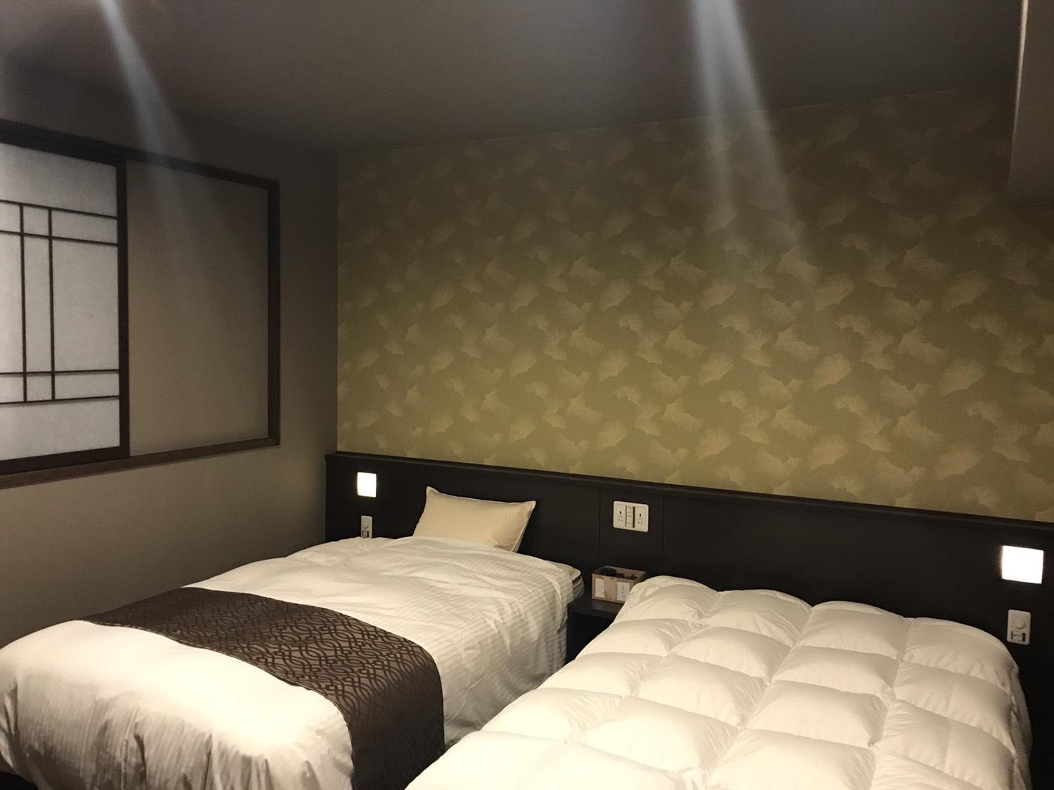 ホテルの客室の壁紙の施工を行いました 京都のインテリア 内装会社